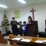 2013年のクリスマス祝会。家族合唱。