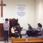 2014年12月22日(日)、クリスマス祝会。日曜学校の合奏。