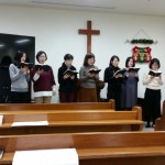 17年12月24日(日)、クリスマス祝会。ルツ会賛美。