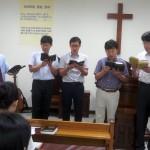 礼拝でホアズ会が特別賛美をしました。